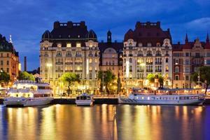 hora azul tiro de edifícios art nouveau em Estocolmo