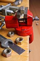 The vise to clamp on the desktop photo