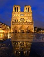 Notre-Dame blue reflection photo
