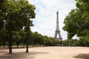 Torre Eiffel em Paris.