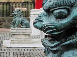 estatua de león chino foto