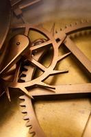 engranaje de reloj vintage, cooperación empresarial, trabajo en equipo y concepto de tiempo foto