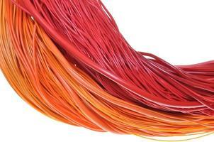 cables multicolores en redes de computadoras foto