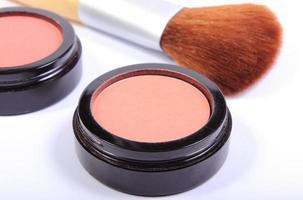 brocha y cosméticos para maquillaje