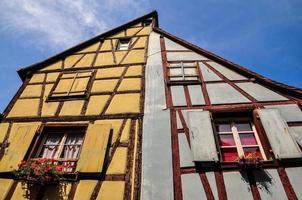 casas tradicionales de madera en alsacia foto