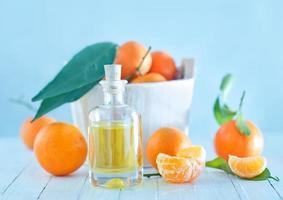 aceite esencial de mandarina foto