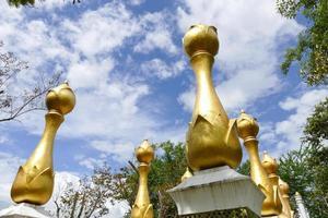 arquitectura de loto dorado asiático