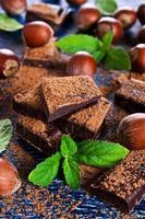 chocolate, nueces y menta foto