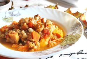 ragú de verduras con calabaza y lentejas foto