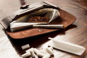 bolsa de cuero de tabaco foto