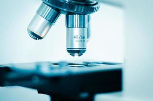 primer plano de lentes de microscopio foto