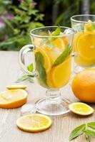 bebidas frescas de naranja foto