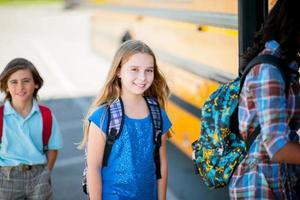 autobús de la escuela primaria foto