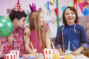 fiesta de cumpleaños de nuestro amigo