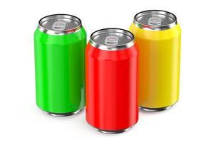 conjunto de latas de bebida metálica
