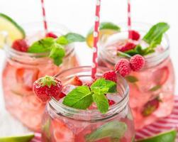 jugo de fruta fresca, bebidas saludables.