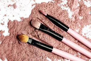 brush on pink powder