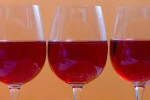 bicchieri di gemito rosso