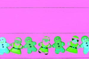 Kerst achtergrond met peperkoek man en kopieer de ruimte