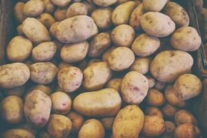 batatas no mercado.