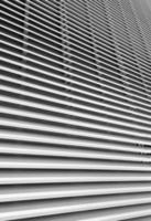 persiana blanca, de cerca foto