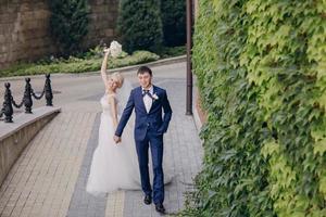 día de sol de bodas foto