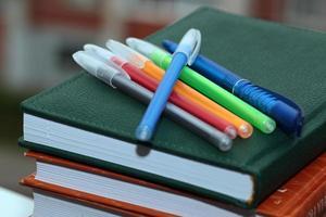 bolígrafo lápiz libros de texto de estudio