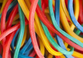 bandas elásticas multicolores foto