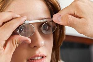 bij de opticien