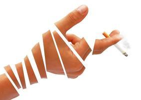 Esta imagen muestra signos de no fumar dejar de fumar.