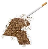 cigarrillo y tabaco con forma de kuwait (serie) foto