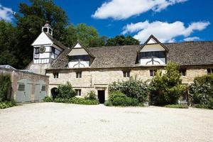 lacock abbey torre del reloj y garajes