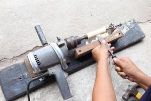 máquina de torno de madera de bricolaje foto
