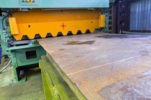 máquina de guillotina de corte para láminas de metal