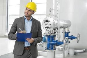 engenheiros industriais no local