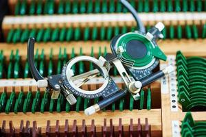 gafas de prueba de foróptero para exámenes de la vista foto