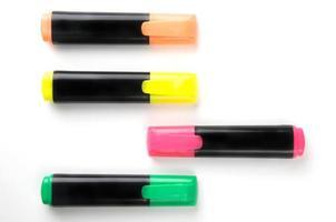grupo de canetas marca-texto