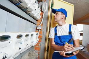 trabajador ingeniero electricista foto