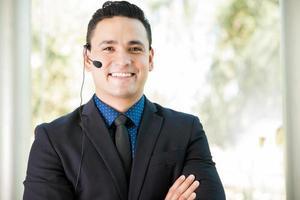 representante de vendas feliz com fone de ouvido