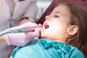 dentista y paciente foto