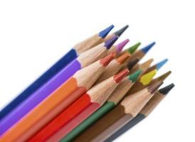 grupo de lápis isolado no branco.