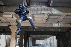 rappeling assault photo