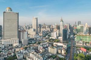 wolkenkrabbers in de binnenstad van bangkok, thailand