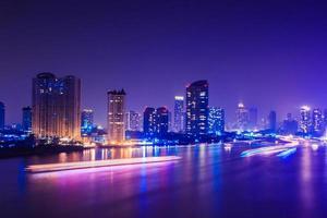 Ciudad de Bangkok en la noche, Tailandia
