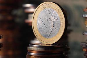 pilhas de moedas conceito dólares euro dólar taxa de câmbio economia