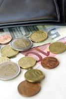 euros y billetera foto
