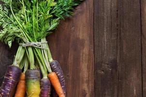 zanahorias orgánicas frescas del arco iris