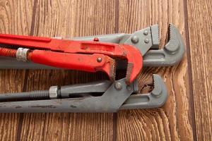 alicates, herramientas