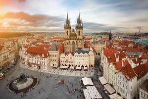 Vista del antiguo mercado de la ciudad de Praga, República Checa.