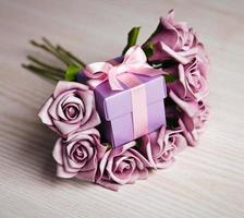 violet roses and gift box photo